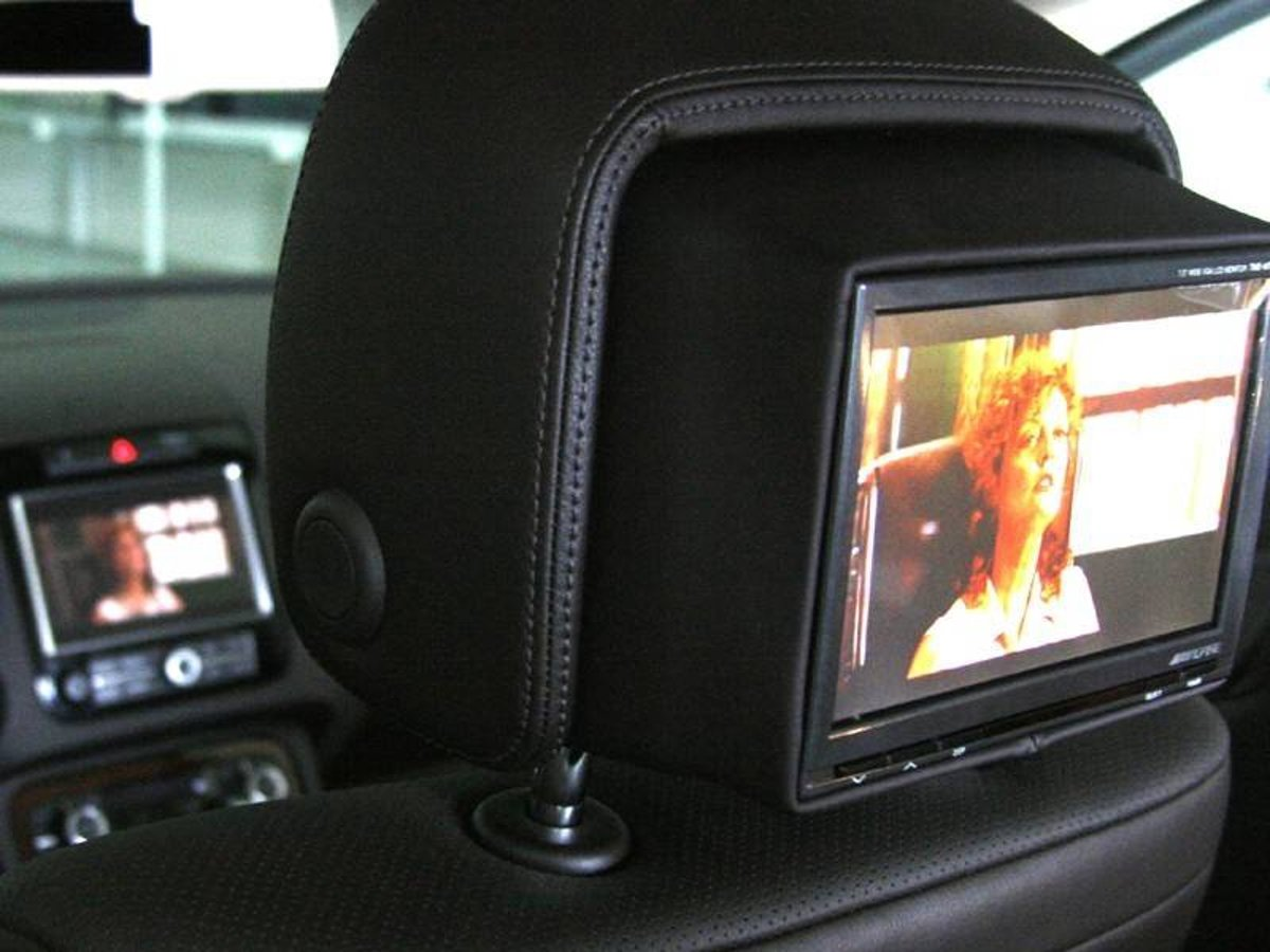 Integrated Rear Seat Entertainment - hoofdsteun - VW Touareg 7P